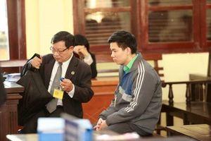 Tình tiết bất ngờ có lợi cho bác sĩ Hoàng Công Lương