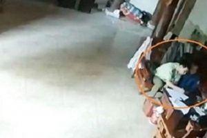 'Tống tiền' thầy lang, 2 cán bộ Quản lý thị trường Nghệ An bị khởi tố
