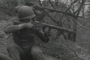 Lính Mỹ và khẩu tiểu liên bất đắc dĩ trong Chiến tranh Triều Tiên