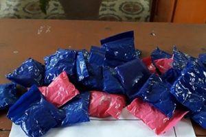 Nghệ An: Chặn bắt đối tượng vận chuyển ma túy qua biên giới, thu 5.600 viên ma túy