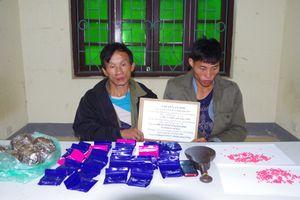 Bắt hai đối tượng người Lào vận chuyển 6.000 viên ma túy tổng hợp, 3 kg thuốc phiện