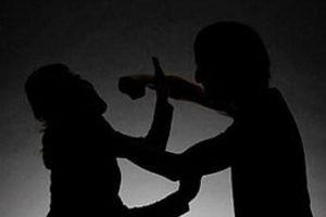 Nghi vấn chồng cắt cổ vợ do ghen tuông