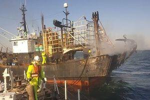 Hai thuyền viên Việt thương vong khi tàu cá Hàn Quốc cháy