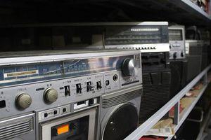 2 tòa nhà chứa đầy đài cassette Nhật: Gia tài độc nhất vô nhị của 'vua' đất Cảng