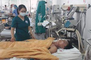 Vụ truyền 15 lon bia vào cơ thể để… cứu bệnh nhân ngộ độc rượu gây chấn động trên báo chí nước ngoài