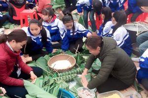 Nghệ An: Học sinh vùng cao hào hứng đón Tết sớm
