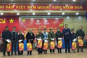 Tết sẻ chia với người nghèo huyện Sóc Sơn