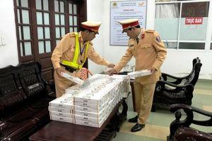 Bắt giữ hơn 1.700 gói thuốc lá nhập lậu