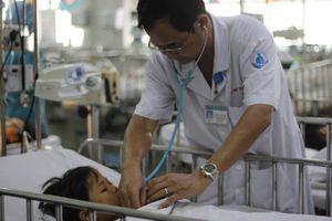 Hồi sinh nhịp đập trái tim cho bé trai bị dị vật chẹn đường thở
