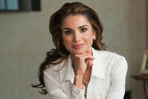 Hoàng hậu Jordan đối mặt cáo buộc mua sắm 'vung tay quá trán'