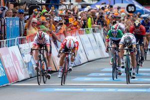 Tour xứ 'Miệt dưới': Ewan bị loại vì 'chơi xấu' Philipsen, Philipsen thắng chặng 5