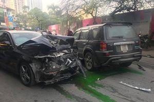 Xe 'điên' gây tai nạn chết người trên phố Hà Nội