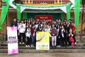 Học sinh phổ thông Hà Nội quyên góp ngày Tết giúp người khó khăn