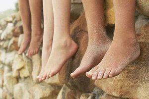 Để trẻ đi chân trần: Tại sao không?
