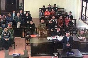 Vụ 9 bệnh nhân chạy thận tử vong ở Hòa Bình: Chuyên gia y khoa nói gì tại tòa?