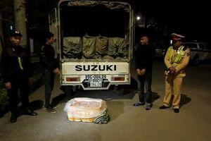 CSGT Lạng Sơn bắt giữ gần 2 tấn nầm lợn nhập lậu giữa đêm