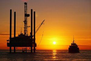 Giá dầu thế giới 19/1: Khép tuần giao dịch đồng loạt tăng mạnh