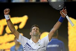 Djokovic theo bước Federer vào vòng 4 Australia Open