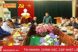 Lãnh đạo huyện Khăm Cợt chúc tết huyện Vũ Quang