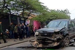 Ô tô mất lái đâm vào nhiều phương tiện, một người tử vong