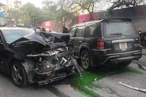 Hiện trường kinh hoàng vụ ô tô 'điên' gây tai nạn khiến cụ bà bán hàng rong tử vong
