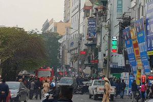 Hà Nội: 'Xe điên' tông hàng loạt xe máy, ô tô, một cụ bà tử vong