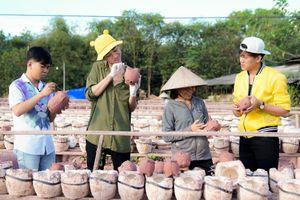 Hải Triều, Minh Dự khám phá làng nghề truyền thống nổi tiếng Bình Dương dịp cuối năm