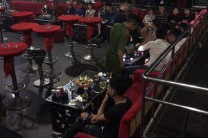 Hàng chục người dương tính với ma túy trong quán bar ở TP.HCM