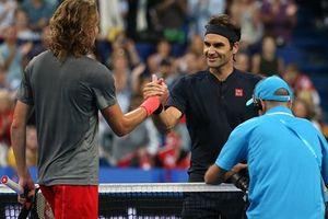 Federer thua sốc Tsitsipas sau 4 set tra tấn thể lực kinh hoàng