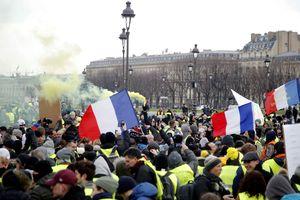 Biểu tình tuần thứ 10 liên tiếp tại Pháp
