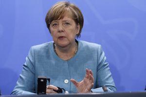 Tin ảnh: Bà Merkel muốn đẩy Anh Brexit sớm?