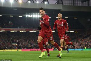 Salah lập cú đúp, Liverpool nghẹt thở vượt qua Crystal Palace