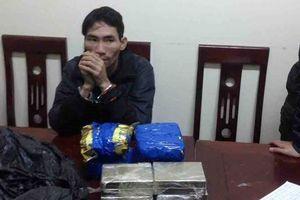 Nghệ An: Bắt đối tượng vận chuyển 8 bánh heroin, 4 cân ma túy đá và 3000 viên 'thuốc lắc'