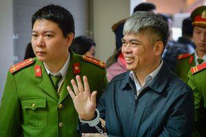 Nguyễn Xuân Sơn - người mang án tử xuất hiện ở phiên tòa dịp gần Tết