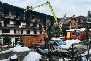 Hỏa hoạn lớn khu nghỉ dưỡng, 27 người thương vong