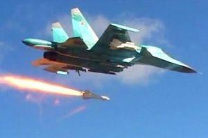 Tiêm kích Nga dội 'mưa hỏa lực', tấn công trụ sở phiến quân ở phía nam Idlib