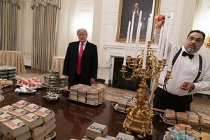 Sự kiện trong tuần qua ảnh (13-20/1): Khi Nhà Trắng tiếp khách bằng đồ ăn nhanh