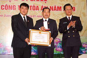 Ủy viên TW Đảng, Phó Chánh án TANDTC Lê Hồng Quang dự hội nghị triển khai công tác TAND hai cấp tỉnh Bình Dương