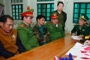 Hà Tĩnh: Bắt 2 đối tượng người Lào, thu giữ hơn 2.000 viên ma túy tổng hợp