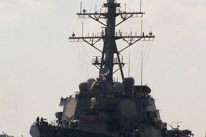 Tàu chiến Nga theo dõi nhất cử nhất động của tàu khu trục Mỹ tại biển Baltic