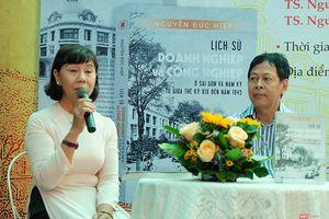 Rời bỏ 'đại tự sự', nhìn lại giai đoạn thay đổi tầm nhìn của người Việt