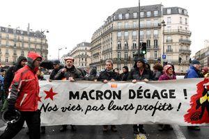 Tin ảnh: Tổng thống Macron dám từ chức không?