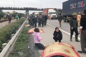 Xe tải lao vào đoàn người đi bộ, 7 người tử vong tại chỗ, nhiều người bị thương