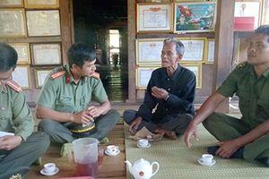 Phát huy vai trò già làng, người có uy tín trong giữ gìn ANTT thôn, bản
