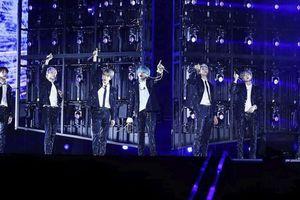 BTS khiến các người hâm mộ Singapore 'lịm tim' trong concert khủng