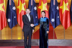 Thủ tướng Nguyễn Xuân Phúc tiếp; Chủ tịch QH Nguyễn Thị Kim Ngân đón, hội đàm với Chủ tịch Thượng viện Ô-xtrây-li-a X.Rai-ân