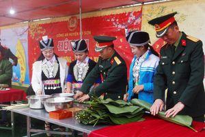 Chương trình 'Bánh chưng xanh' cùng đồng bào vùng biên Nghệ An