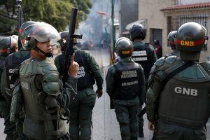 Venezuela bắt 27 binh lính nổi loạn chống chính quyền