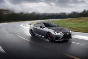 Lexus 'chơi sang' khi nâng cấp thêm cho mẫu xe thể thao RC F coupe