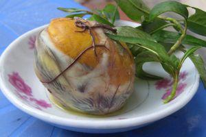 Trứng vịt lộn đứng đầu trong những món ăn kinh dị nhất thế giới